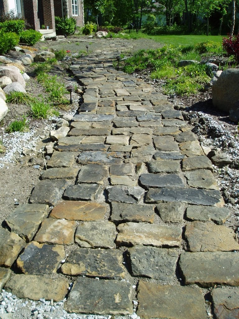 Close-up of a walkway built with Bluestone Cobblestone.
