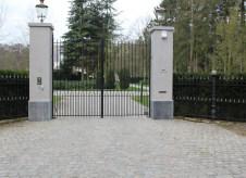 Antique European Porphyry Cobbles | Gate