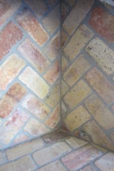 Reclaimed Antique Firebrick   Interior Corner
