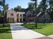 Old Tuscany Brick | House w/ Driveway