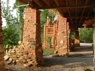 Old Pasadena Clinkers | Pillars