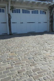 Historical-Bricks-Project-Ideas-Custom-Cobblestone-Driveways-Antique Bluestone Cobble3