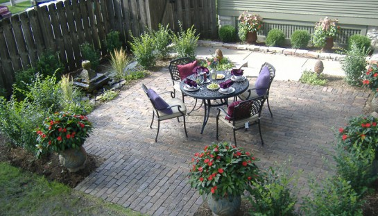 Custom back patio built with Antique Purington Paver bricks