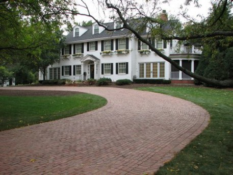 Historical-Bricks-Project-Ideas-Brick-Driveway-Hinsdale-IL-Homepage 1